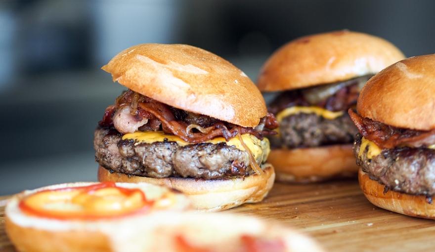 Le regole d'oro per un hamburger perfetto