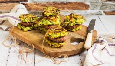 Mini hamburger con rosti di zucchine e patate