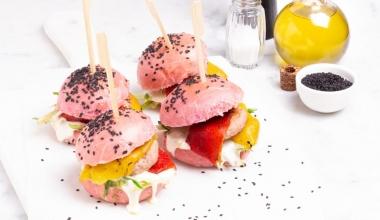 Mini pink burger con puntarelle e peperoni grigliati